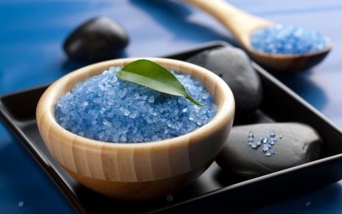badesalz selber machen DIY Valentinstag blaue magie