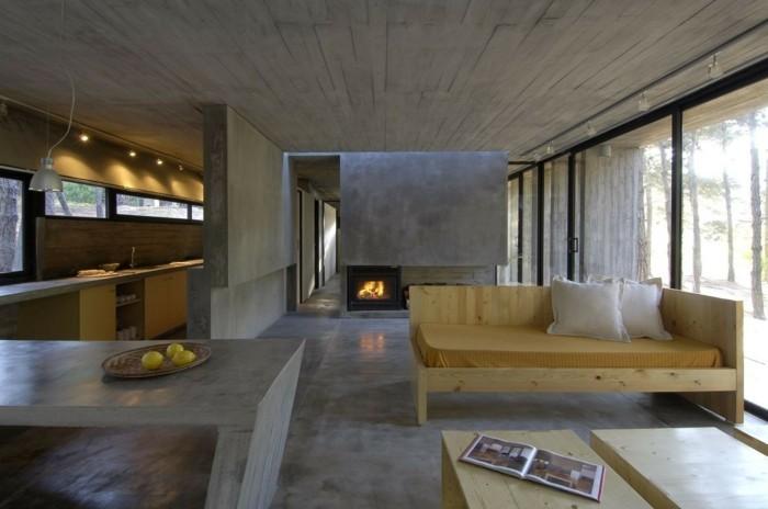 betonboden holzmöbel schöne zimmerdecke