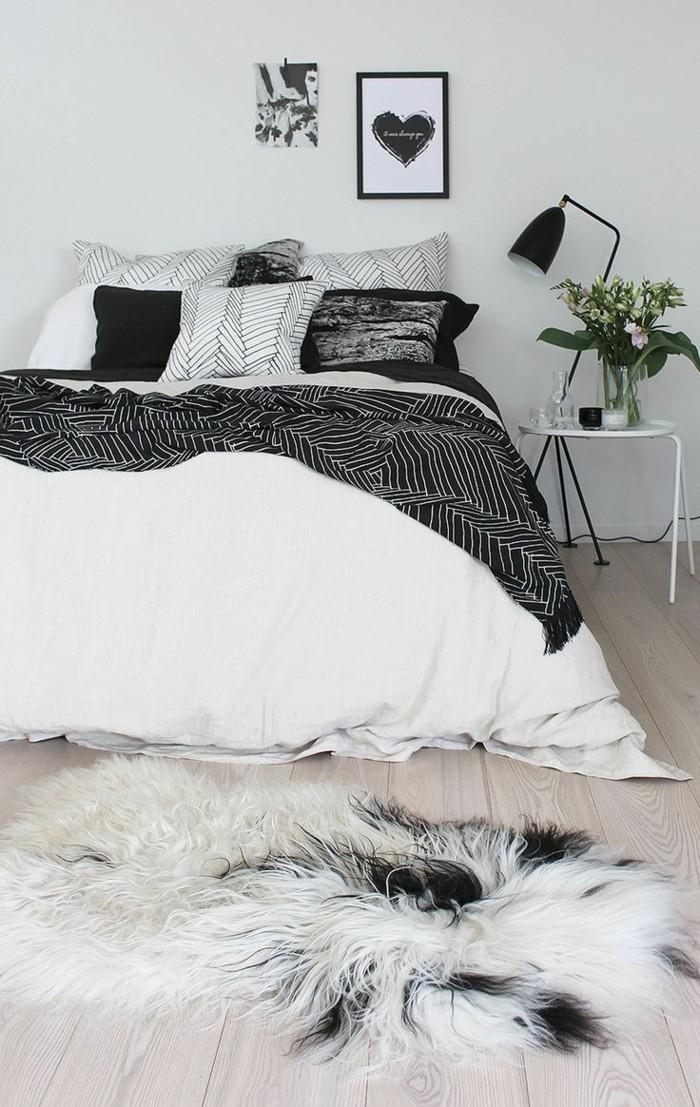 bett ohne kopfteil schlafzimmer weiß schwarz dielenboden