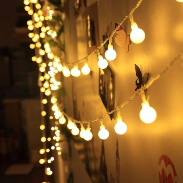 dekoideen mit lichterketten kleine glühbirnen fotowand