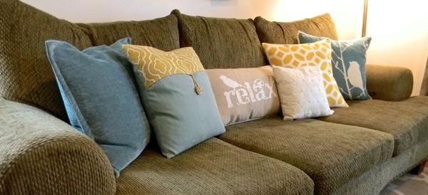 dekokissen ideen gedeckte farben relax