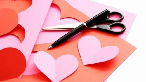 diy valentinsgeschenk diy valentinstag selber machen schere und papier