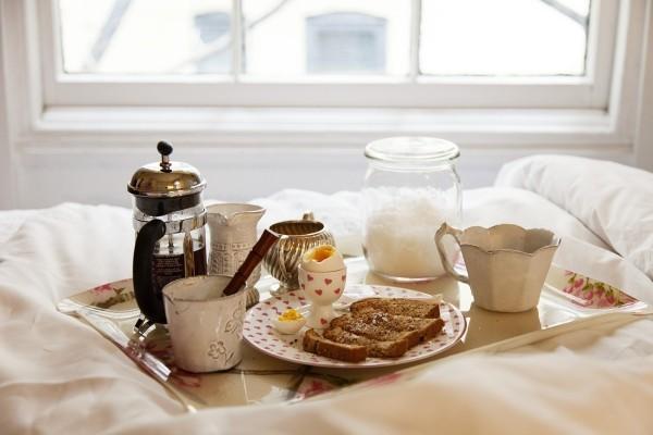 diy valentinstag dekoideen schlafzimmer frühstück