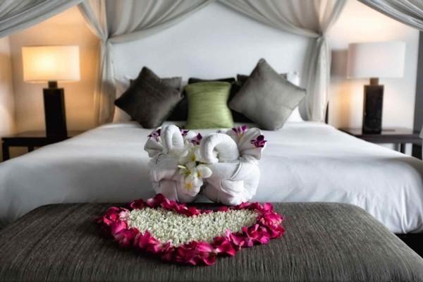 diy valentinstag rosenblätter deko schlafzimmer