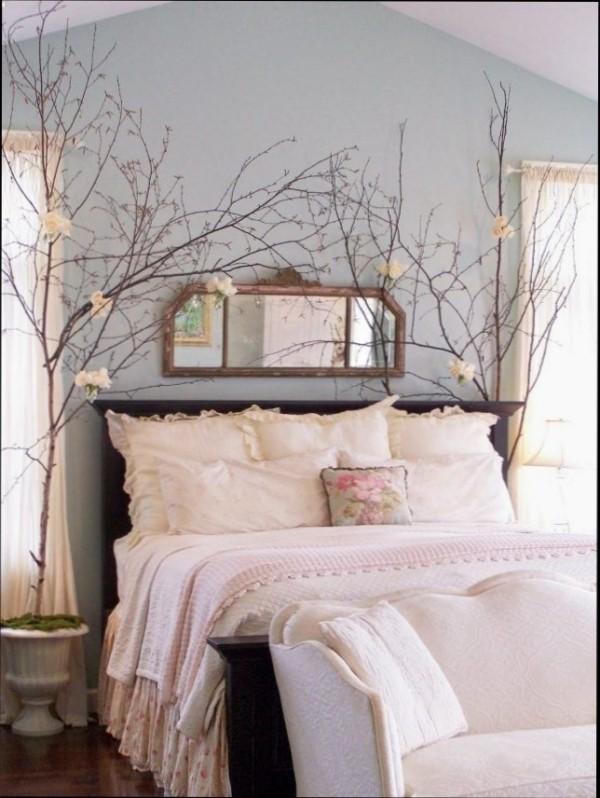 diy valentinstag schlafzimmer dekorieren baumzweige papierdeko