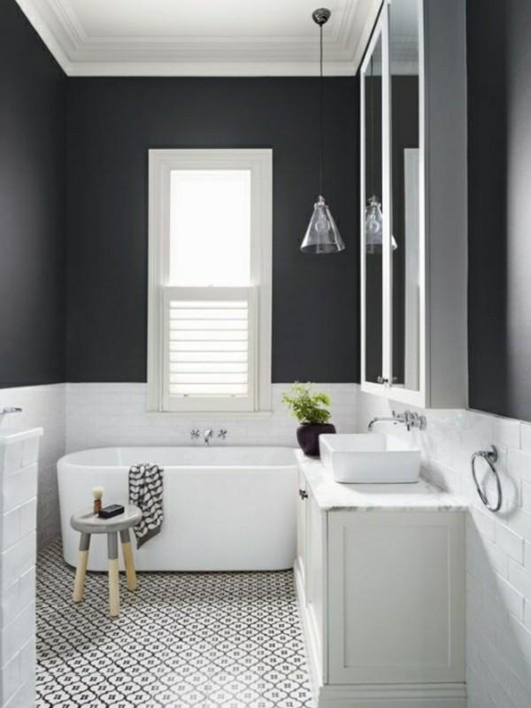 dunkelgraue akzentwand badezimmer einrichtung