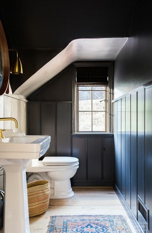 dunkle decke badezimmer einrichtung