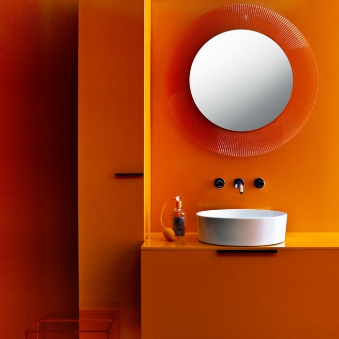 farbgestaltung tangerine trandfarbe orange badezimmer ideen