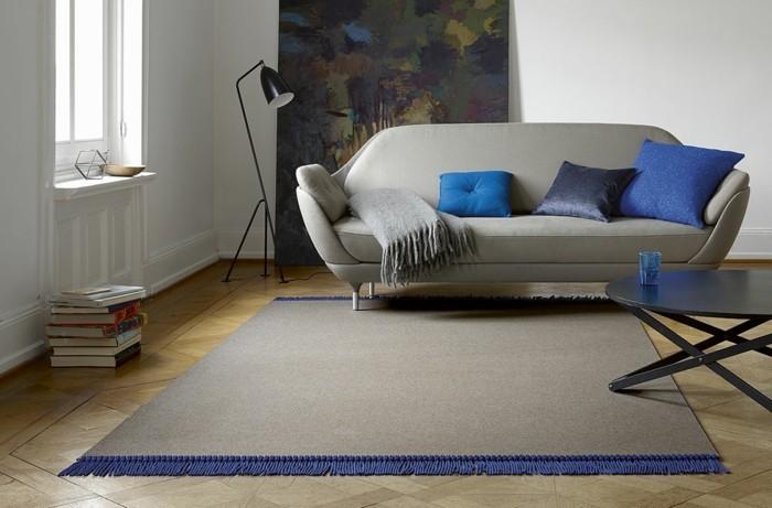 fransen wohntrend 2018 wolldecke teppich graues sofa