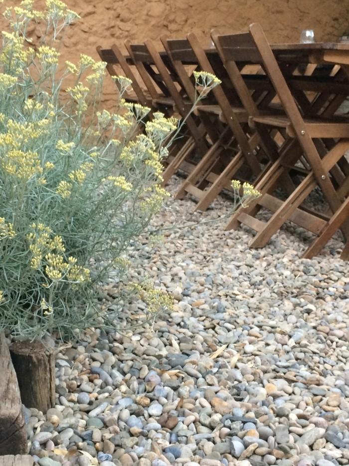 Garten Mit Kies Gestalten   Mediterraner Essbereich Mit Zierkies