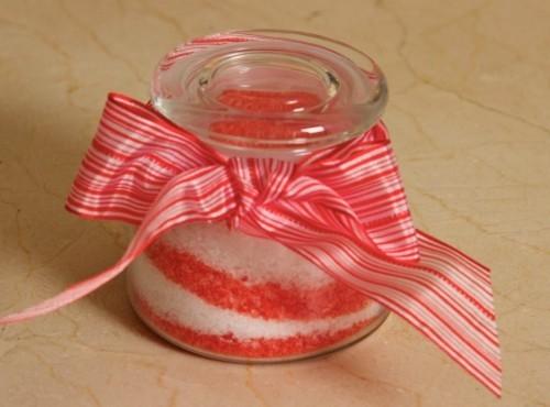 geschenkidee in glas badesalz DIY Valentinstag selber machen