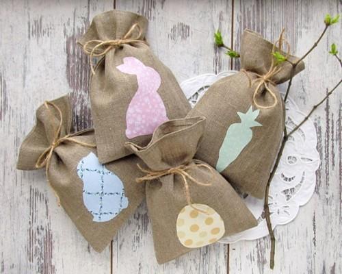geschenktüten aus sackleinen kleine ostergeschenke