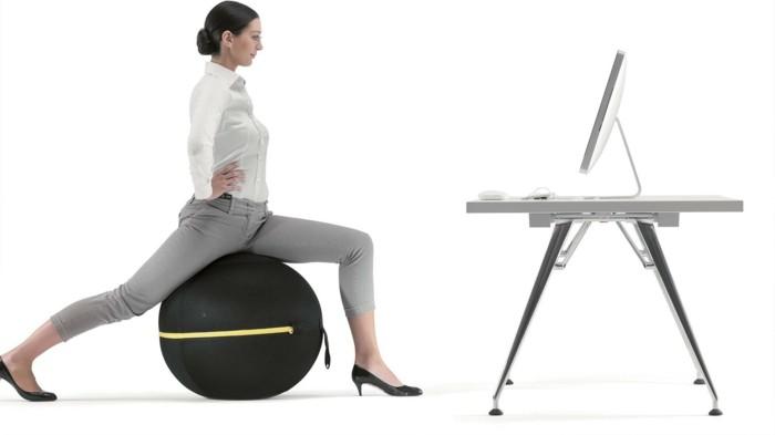 der gymnastikball eine gesunde sitzalternative im b ro. Black Bedroom Furniture Sets. Home Design Ideas
