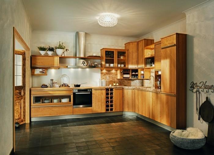 Holzküche einrichten, denn Holz ist ein echter Klassiker