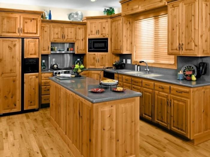 holzküche funktionale kleine küche kücheninsel holzboden