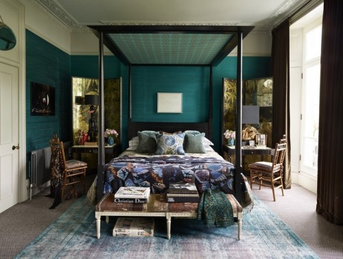 ideen schlafzimmer eklektisch dunkle farben vintage teppich
