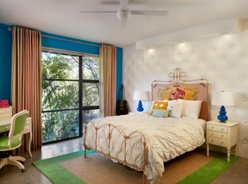 ideen schlafzimmer eklektisch elegantes wanddesign vintage bett