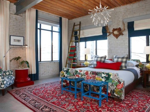 ideen schlafzimmer eklektisch frische farbige muster alte möbel ziegelwand