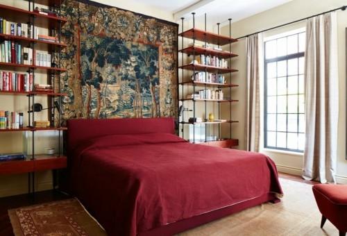 ideen schlafzimmer eklektisch vintage wandregale helle gardinen