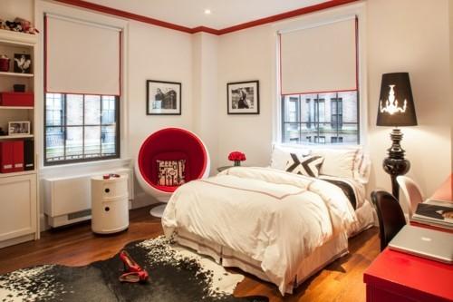 ideen schlafzimmer eklektisch weiße wände fellteppich rote akzente