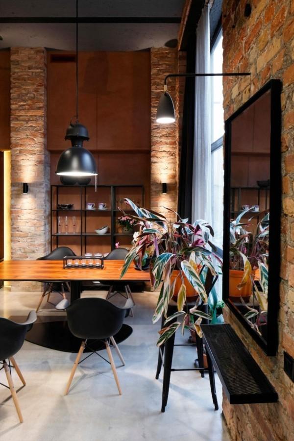 küchen ideen industrieller essbereich schwarze stühle pflanze