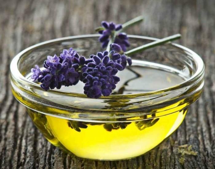 lavendelöl selber machen aus frischen blüten und olivenöl