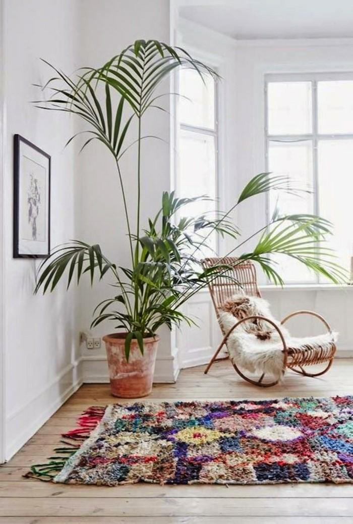 marokkanische teppiche Boucherouite stil pflanzen schaukelstuhl