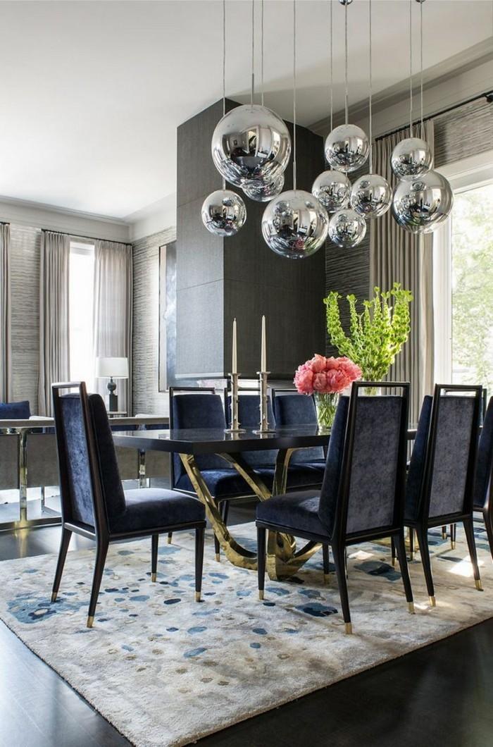 moderne stühle esszimmer dunkle farben goldene akzente