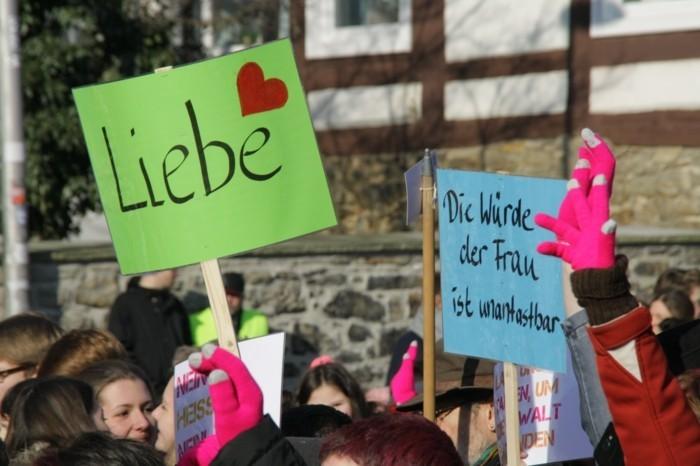 one billion rising februar plakate