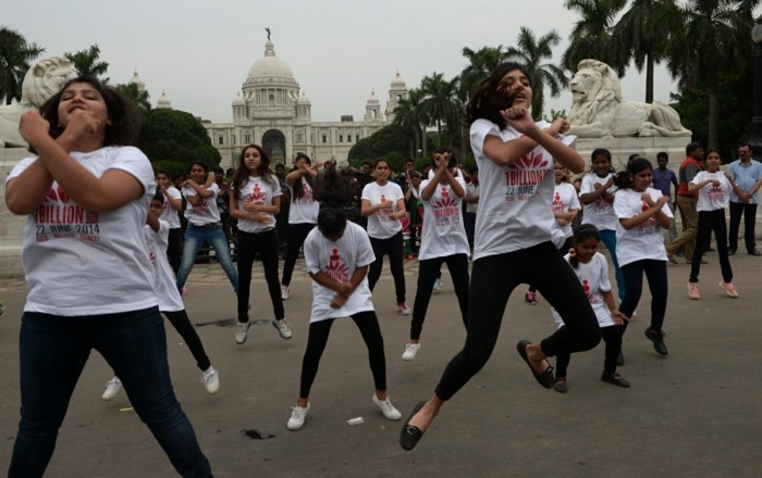 one billion rising februar t shirt siebdruck