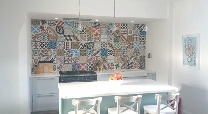 retro fliesen küche mit essbereich schöne muster küchenrückwand
