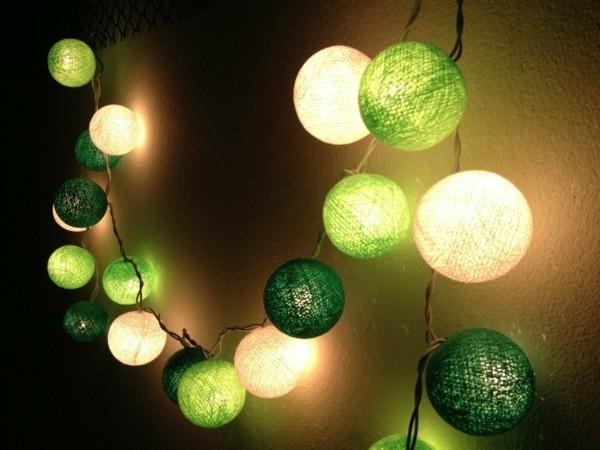 romantische dekoideen wandgestaltung mit lichterketten