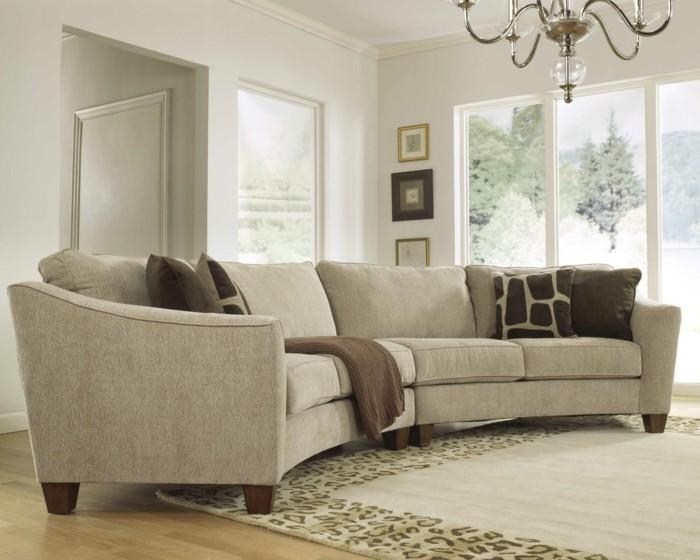 rundes sofa helles design schicke dekokissen