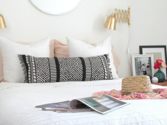 schlafzimmer dekokissen fransen muster schwarz weiß