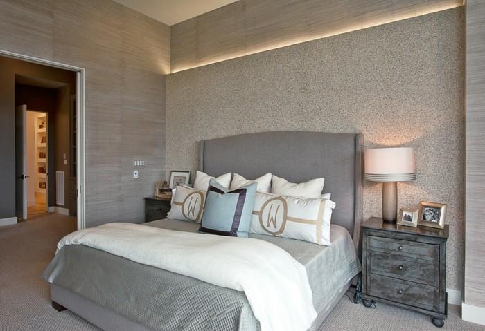 schlafzimmer farben neutral indirekte beleuchtung vintage nachtkonsole