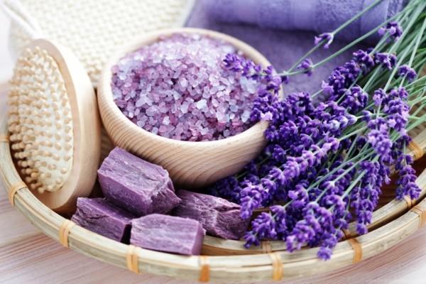 seife selber machen mit lavendel wellness badesalz frische blüten