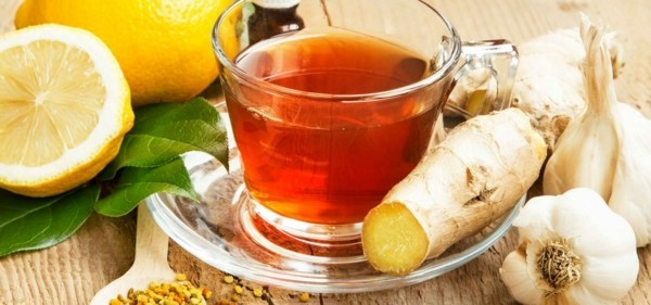 tee aus ingwer zitrone thymian myrte balsam