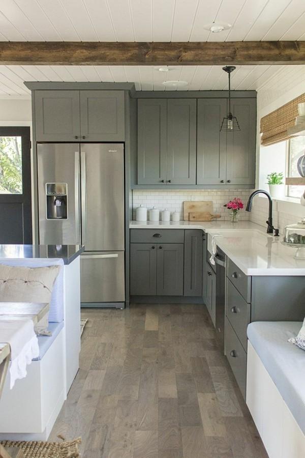 zimmer einrichten graue küchenschränke weiße küchenmöbel