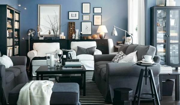 zimmer einrichten graue sofas streifenteppich weiße akzente