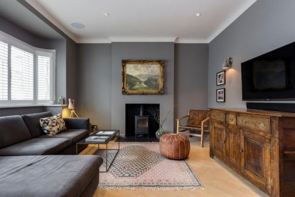 wandfarbe hellgrau zimmer einrichten graues wohnzimmersofa graue wände wohnbereich