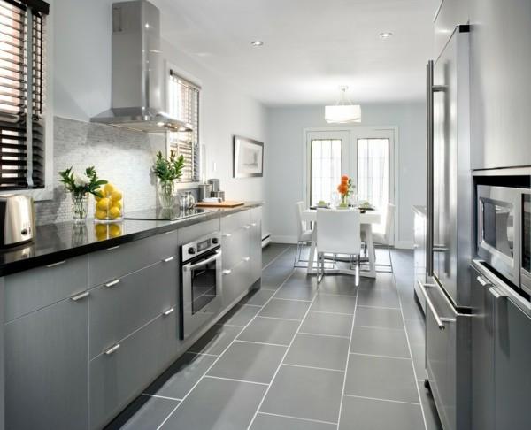 zimmer einrichten moderne küche graue küchenschränken graue bodenfliesen