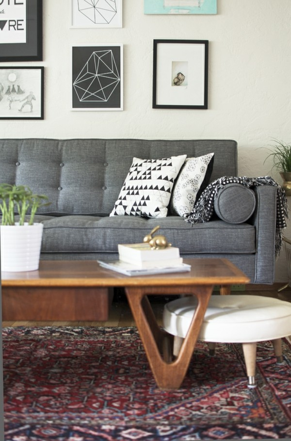 zimmer einrichten wohnzimmer graues sofa farbiger teppich