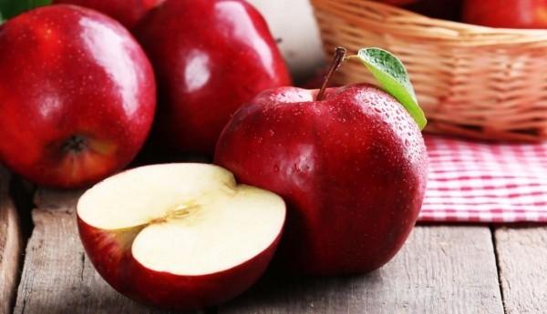 Apfel gesunde Ernährung täglich essen keinen Arzt brauchen