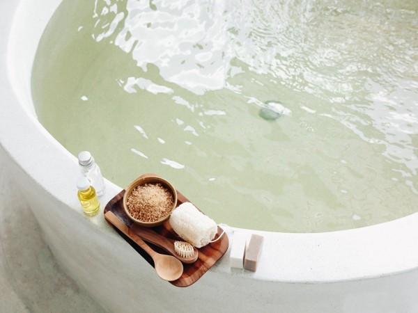 Bad mit Badesalzen