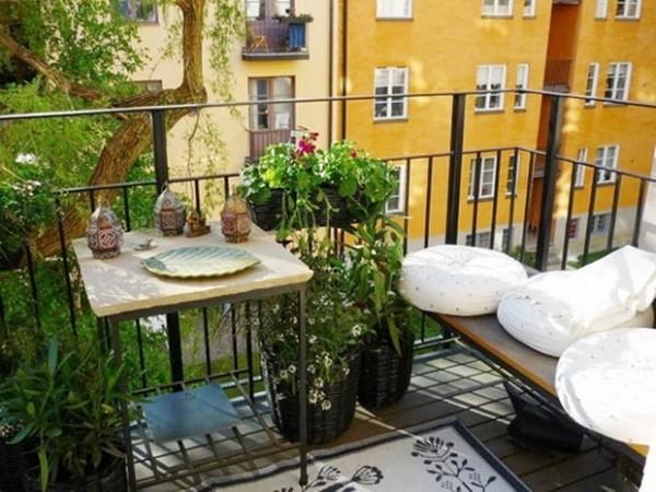 Balkon bepflanzen und Sichtschutz bieten