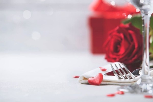 Einen wunderschönen Valentinstag zu zweit verbringen