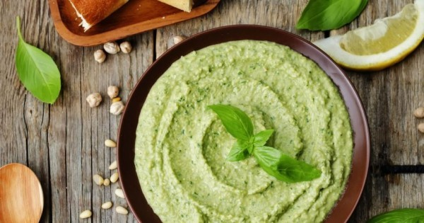 Gesunde Ernährung Dip mit Avocado