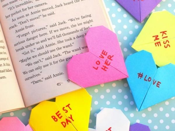 Lesezeichen basteln mit Kindern Lesezeichen Ideen Herzen
