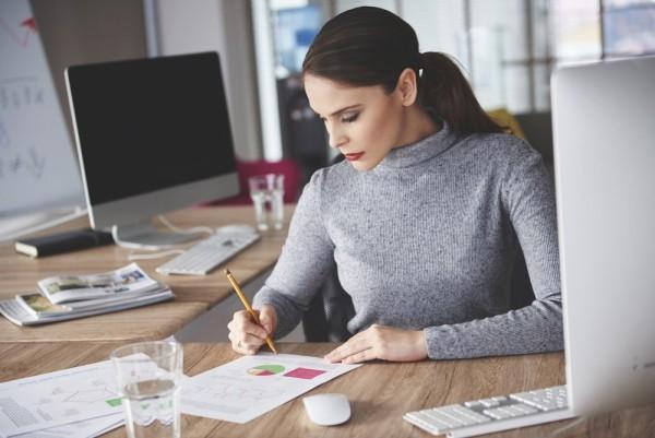 Tipps gegen Winterdepression frische Farben im Home Office oder Büro