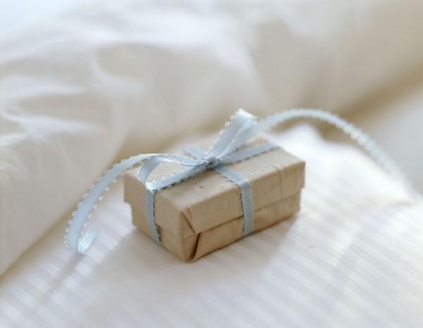 Valentinstag zelebrieren zu zweit Geschenk für die Liebe